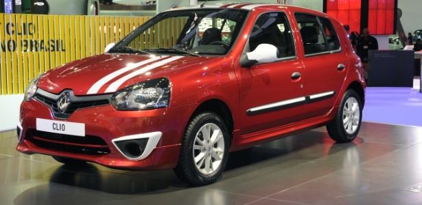 Indústria local vive de carros atrasados, como o Renault Clio, renovado sem airbags nem como opcional
