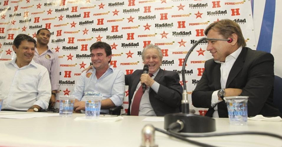 Tirone, Juvenal Juvêncio e Andrés Sanches em evento do candidato à prefeitura paulistana, Fernando Haddad