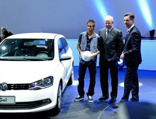 Além de carros e astros, Salão teve executivos de porte, como Martin Winterkorn (ao centro), da Volks