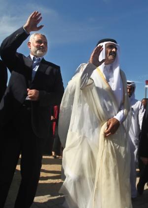 O emir do Catar, Hamad ben Khalifa Al-Thani, (foto) foi criticado pelo  poeta Muhammad Ibn al-Dheeb al-Ajami - AFP