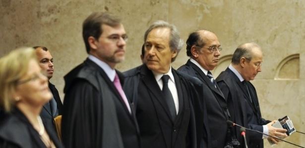 Gilmar Mendes, Toffoli e Lewandowski são alvos de petição
