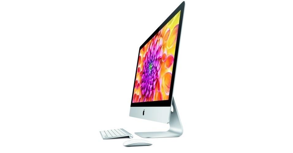 23.out.2012 - A Apple apresentou uma nova versão do computador iMac, classificado por Schiller de ''o Mac mais bonito que já fizemos''. O computador (basicamente uma tela) tem 5 mm de espessura e estará disponível nas versões de 21,5 polegadas e 27 polegadas