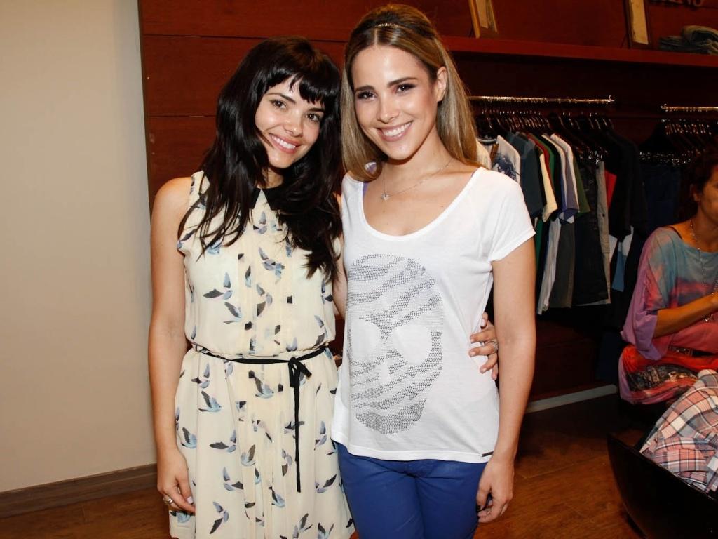 A atriz Vanessa Giácomo e a cantora Wanessa prestigiaram o lançamento de uma coleção de roupas femininas em São Paulo (23/10/12)