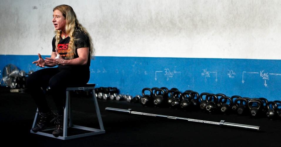 Marilia Coutinho prega uma maneira multidisciplinar de pensar o amadurecimento dentro do esporte