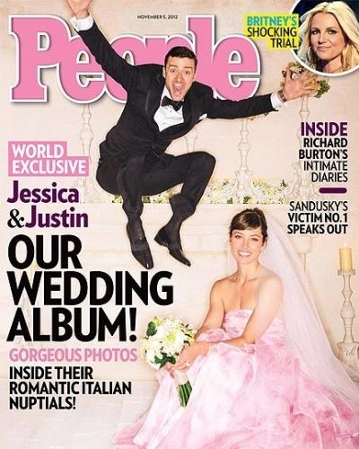 """Em seu casamento com Justin Timberlake, realizado no sul da Itália, a atriz Jessica Biel resolveu sair do """"branquinho básico"""" e optou por um suntuoso vestido rosa, feito pelo estilista italiano Giambattista Valli. Já Timberlake optou por um smoking de Tom Ford. Segundo a revista """"People"""", a festa contou com cerca de 100 convidados e durou todo o final de semana"""