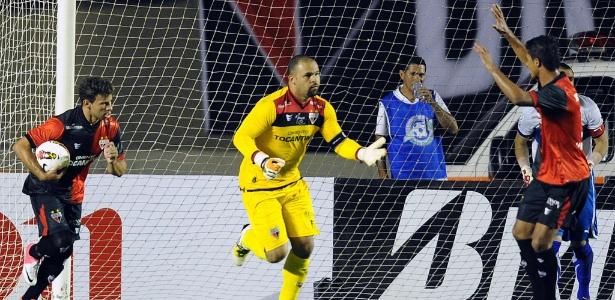 Goleiro Márcio fez 37 gols em 532 jogos que disputou pelo Atlético-GO