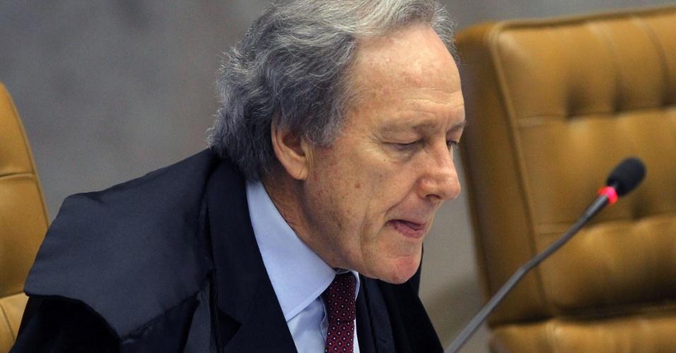 25.out.2012 - O ministro-revisor Ricardo Lewandowski afirma, durante estabelecimento da pena a Ramon Hollerbach, que poderia reconsiderar e aumentar a sua sugestão de pena para dois anos