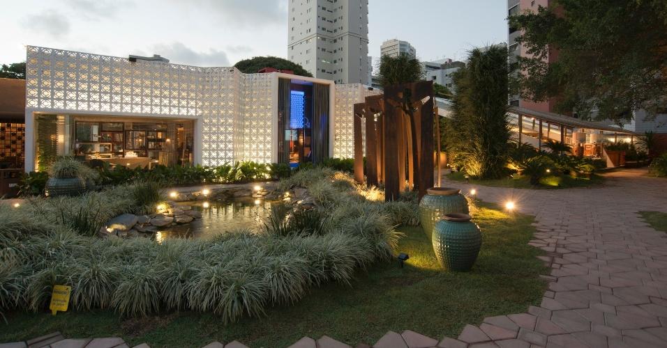 O paisagismo do Largo da Cidade é uma criação do arquiteto Salomão Nogueira. A 14ª Casa Cor CE segue até dia 20 de novembro de 2012, na Praça Portugal, em Fortaleza
