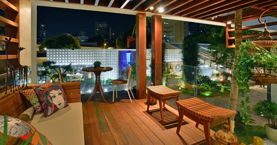 O Loft da Praia é uma casa completa e aconchegante, assinada pelos arquitetos Maria José Lopes e Ricardo Accioly. A 14ª Casa Cor CE segue até dia 20 de novembro de 2012, na Praça Portugal, em Fortaleza