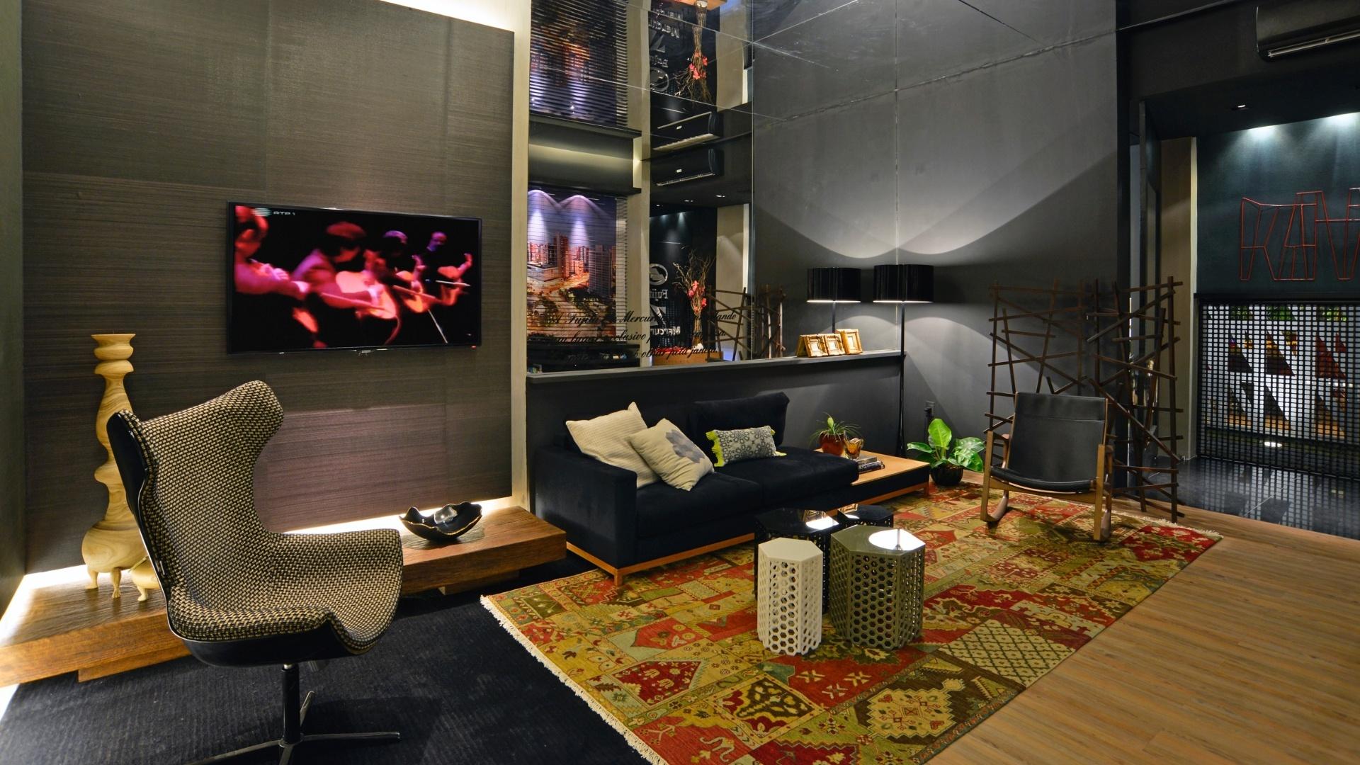O Lounge de Saída é uma criação dos arquitetos Marcus Novais e Andréa Verçosa. A 14ª Casa Cor CE segue até dia 20 de novembro de 2012, na Praça Portugal, em Fortaleza