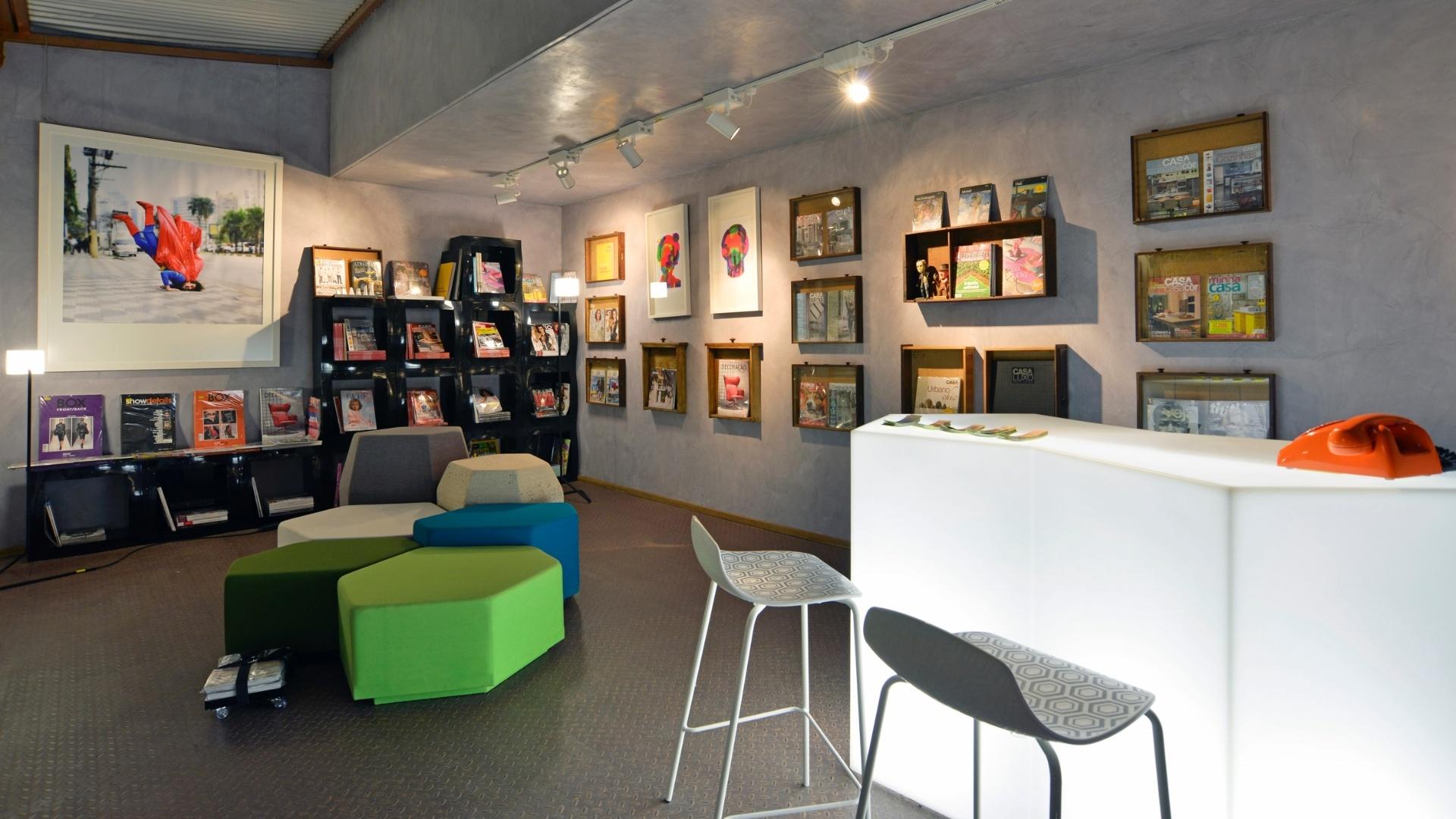 A arquiteta Ana Virginia Furlani criou uma Revistaria conceitual para a 14ª Casa Cor CE. A mostra segue até dia 20 de novembro de 2012, na Praça Portugal, em Fortaleza