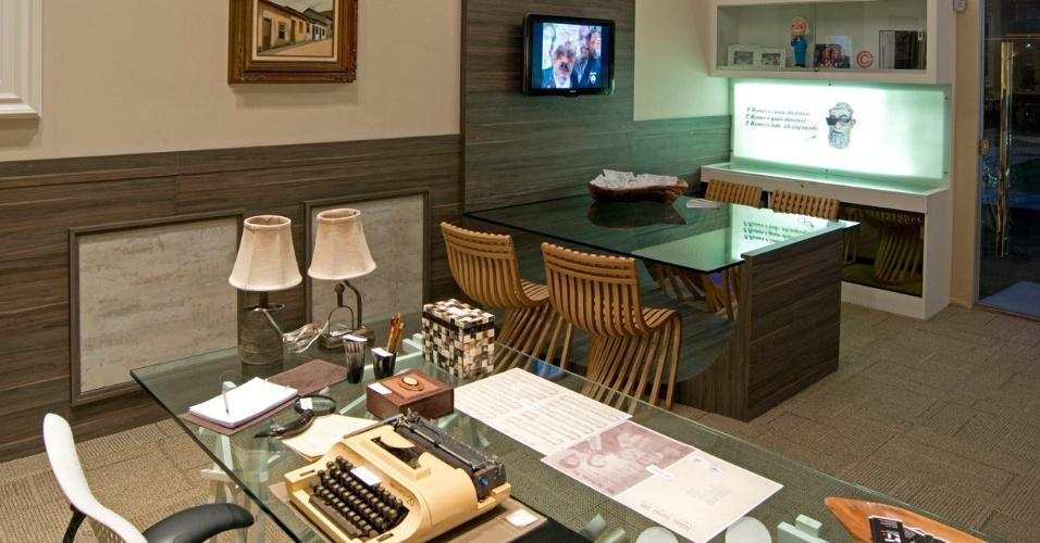 A arquiteta Renata Targino desenvolveu um Studio em homenagem ao humorista Chico Anysio. A 14ª Casa Cor CE segue até dia 20 de novembro de 2012, na Praça Portugal, em Fortaleza