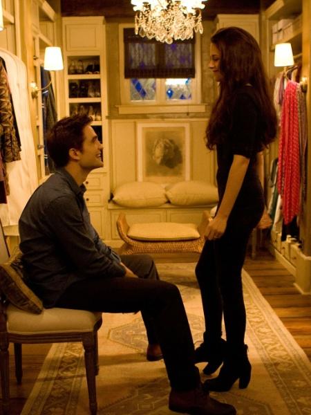 """Casal Bella Swan e Edward Cullen, vivido pelos atores Kristen Stewart e Robert Pattinson, em cenas de """"A Saga Crepúsculo: Amanhecer - Parte 2"""" - Divulgação"""