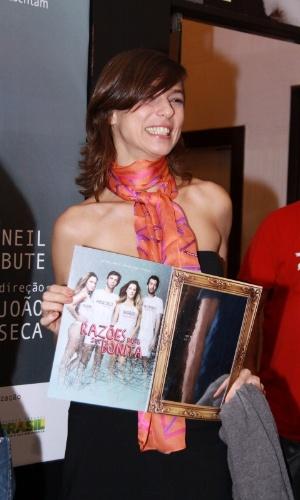 """Maria Paula vai à estreia para convidados da peça """"Razões para ser Bonita"""", no Teatro dos Quatro, Rio de Janeiro (25/10/12)"""