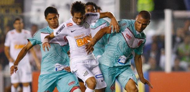 Neymar pede desculpas sobre desabafo após partida contra o Náutico na Vila Belmiro