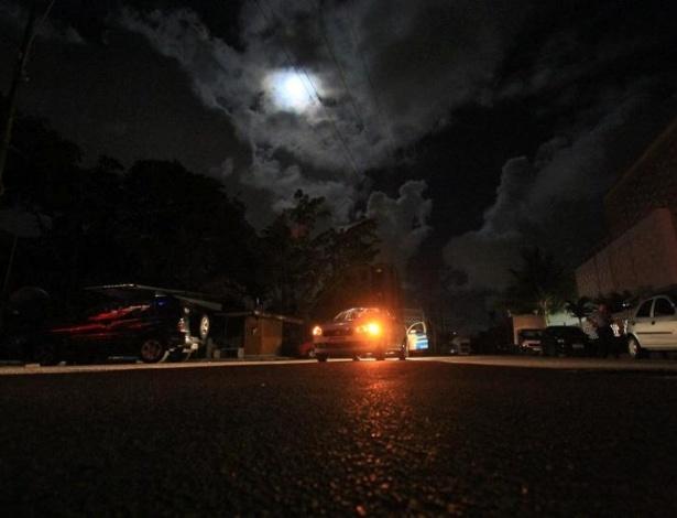 26.out.2012 - Centro do Recife (PE) às escuras