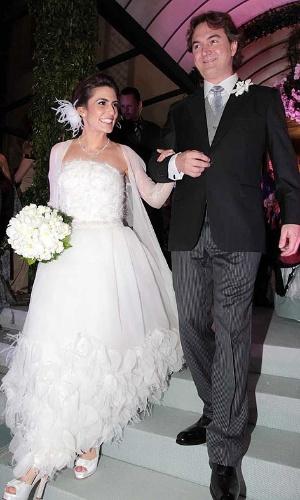 Em seu casamento com o empresário Joesley Batista, a apresentadora Ticiana Villas Bôas, da Band, se casou com um tomara que caia da Chanel. Segundo Ticiana, para a confecção da peça, ela encontrou o estilista Karl Lagerfeld quatro vezes em Paris, na França. Chique, não?
