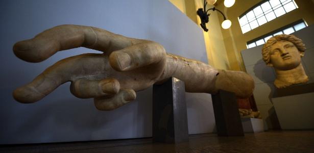 Obra de arte exposta no novo museu italiano Palazzo Beltrami (26/10/12) - AFP PHOTO / FILIPPO MONTEFORTE