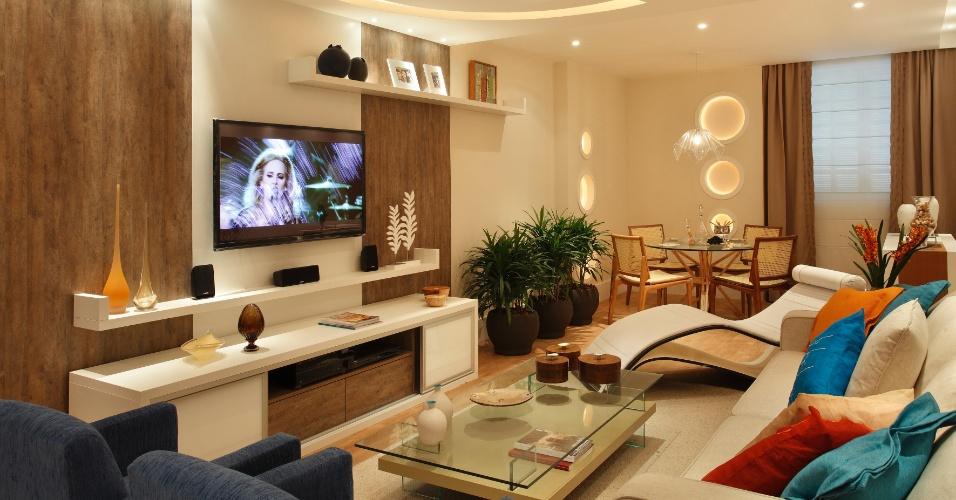 Sala Principal projetada por Cyntia Sabat. A mostra Morar Mais por Menos RJ segue até dia 4 de novembro de 2012, na Av. Epitácio Pessoa, 4.866, Rio de Janeiro