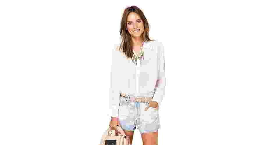 Shorts jeans de cintura alta com lavagem manchada; R$ 129, na Farm (www.farmrio.com.br) Preço pesquisado em outubro de 2012 e sujeito a alterações - Divulgação