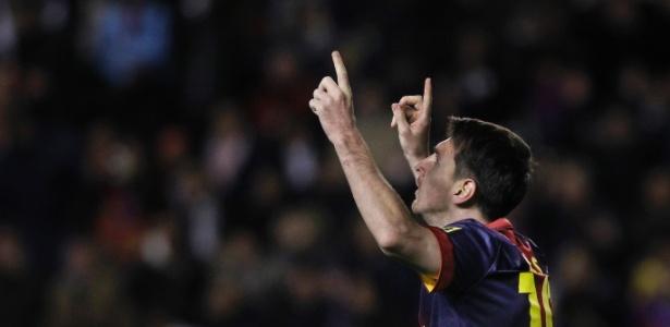 Messi comemora gol pelo Barcelona no Campeonato Espanhol contra o Rayo Vallecano