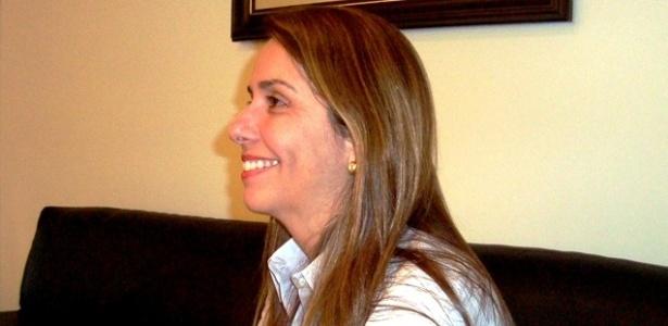 Patricia Amorim sorri durante entrevista concedida ao UOL Esporte em seu gabinete, na sede da Gávea