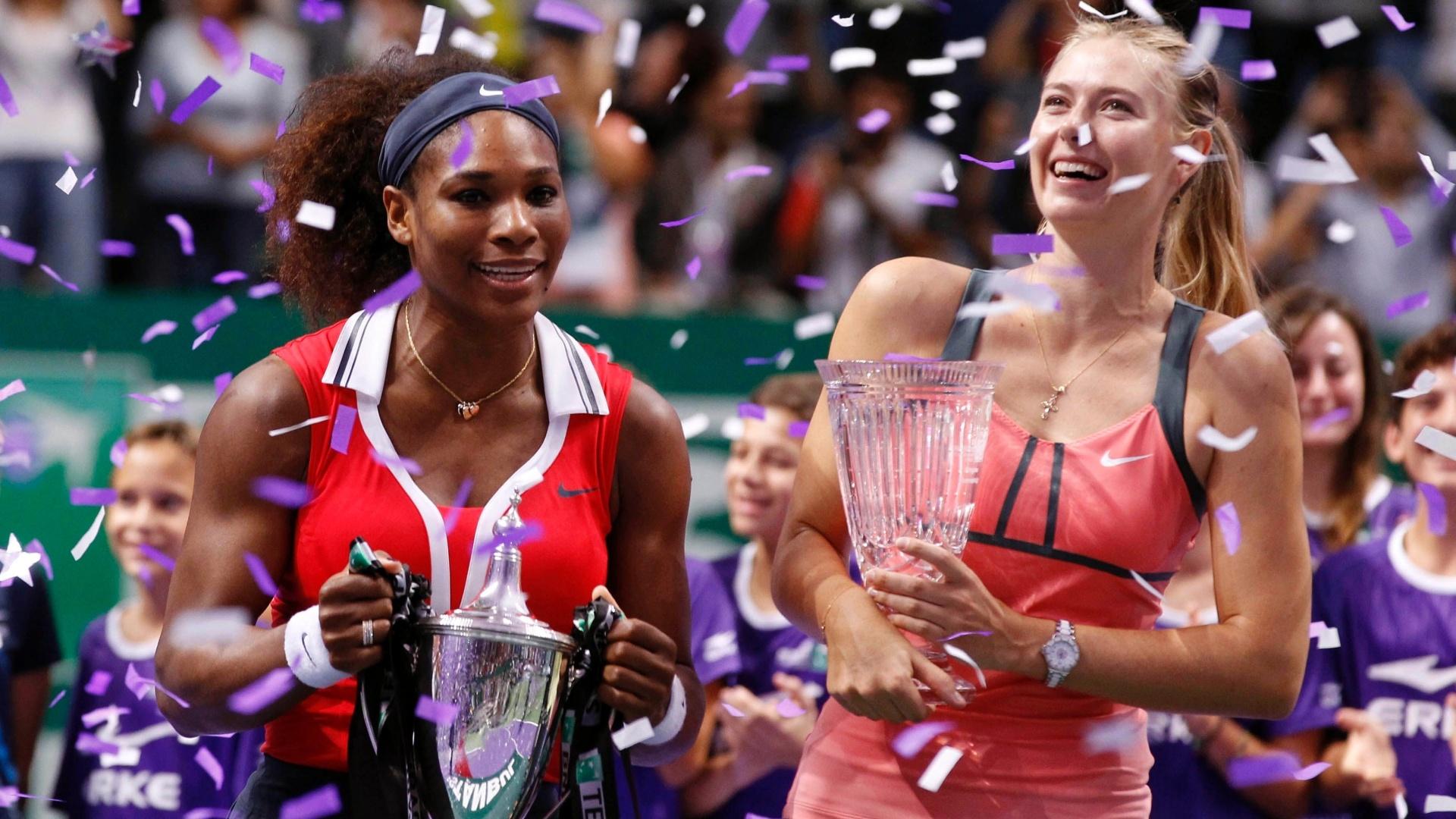 Serena Williams e Maria Sharapova se divertem na premiação do Masters de Istambul