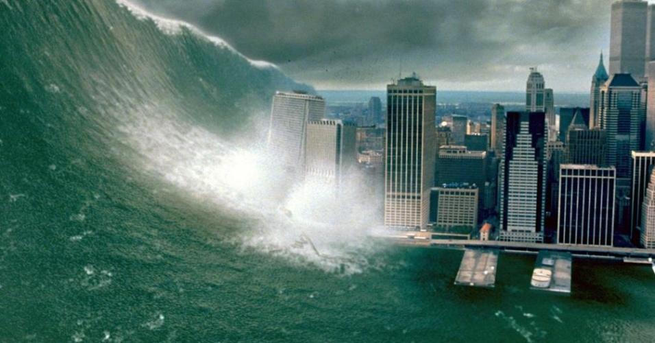 Digamos que Hollywood contribuiu bastante para as fotos falsas sobre o furacão do Sandy. A imagem acima foi tirada do filme ''Impacto Profundo''