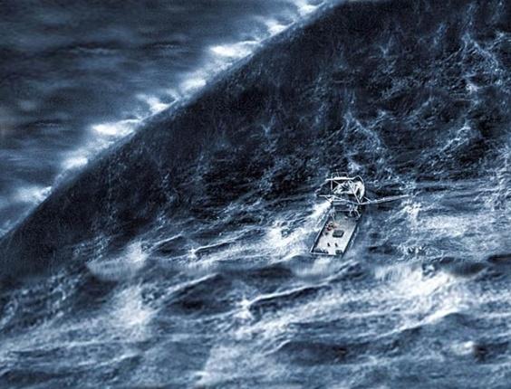 Essa imagem talvez seja facilmente identificada como falsa se dissermos o nome do filme: ''Mar em Fúria''. Não se trata de uma foto do furacão Sandy...