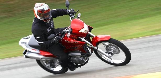 Nova Honda Falcon NX 400i perdeu fôlego e agora produz 28,7 cavalos - Mario Villaescusa/Infomoto