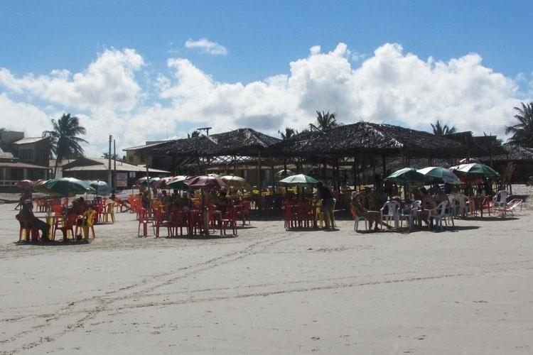Localizada na ponta sul do estado de Sergipe, a Praia do Saco é uma enseada de 5 km de extensão e chama atenção por suas belezas naturais