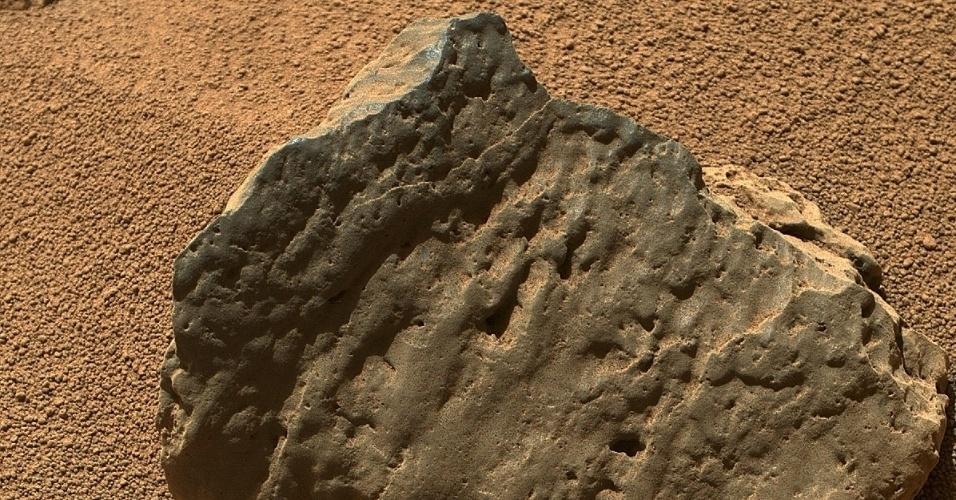 30.out.2012 - O robô Curiosity fez novos registros das rochas de Marte, divulgou nesta terça-feira (30) a Nasa (Agência Espacial Norte-Americana). As imagens foram feitas no 82º dia de missão (que equivale à última segunda-feira, 29 de outubro) com a câmera Mahli a cerca de 40 centímetros de distância da Et-Then, rocha que fica na região conhecida como Rocknest