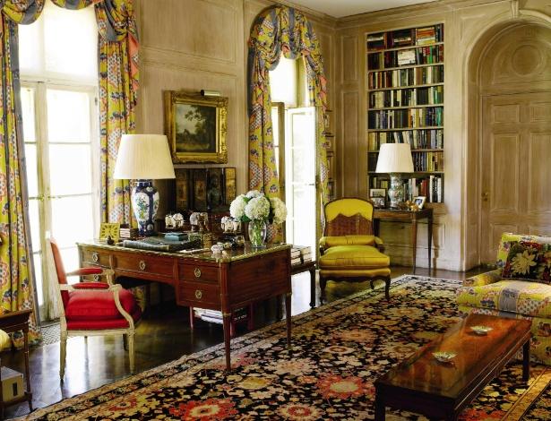 """Biblioteca da casa de Brooke Astor, em Holy Hill. Objetos da filantropa foram leiloados pela Sotheby""""s  - Divulgação Sotheby""""s/ The New York Times"""