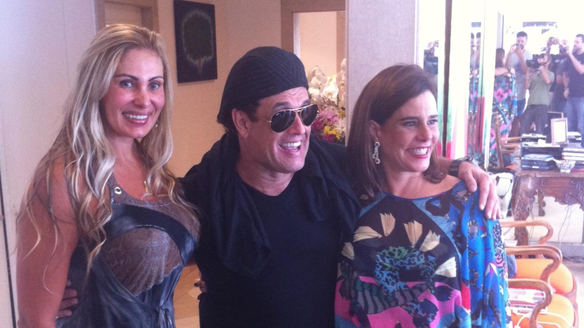 Ângela Bismarchi grava com Sérgio Mallandro e Narcisa Tamborindeguy (31/10/2012)