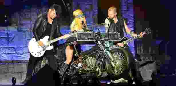 """Lady Gaga durante show da turnê """"Born This Way Ball"""" - Josh Olins/Divulgação"""