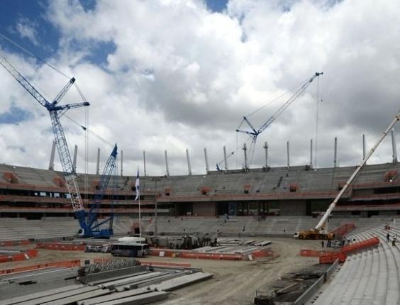 Obras em andamento na Arena Pernambuco (PE), em outubro de 2012