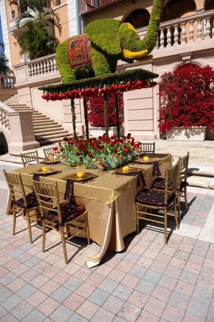 Center Terrace: É o terraço central do hotel. Nesta área, podem ser montadas as mesas para um almoço ou para um jantar; Biltmore Hotel, em Coral Gables, Miami. (http://www.biltmorehotel.com/)