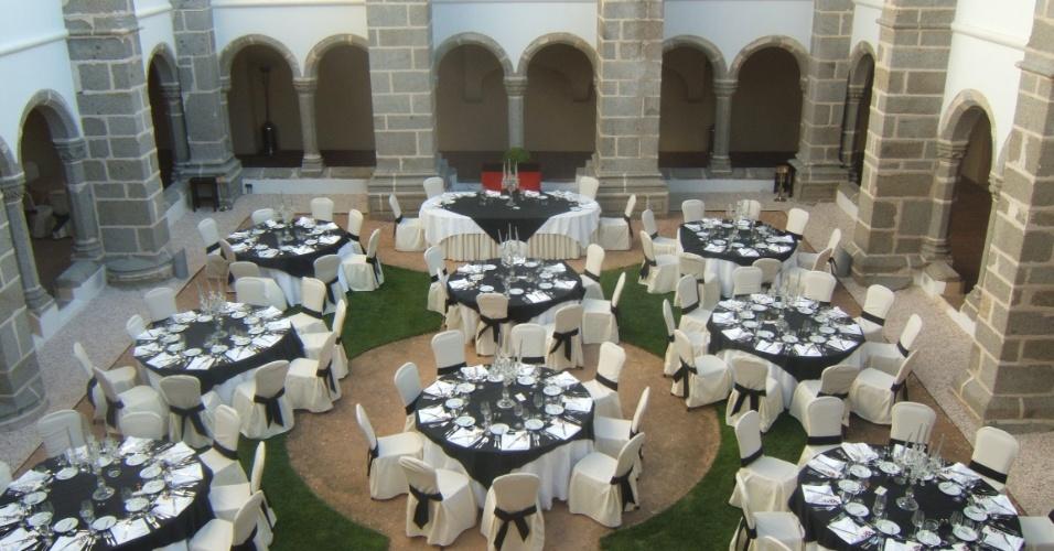 Recepção de festa de casamento no Convento do Espinheiro (www.conventodoespinheiro.com), em Évora, Portugal