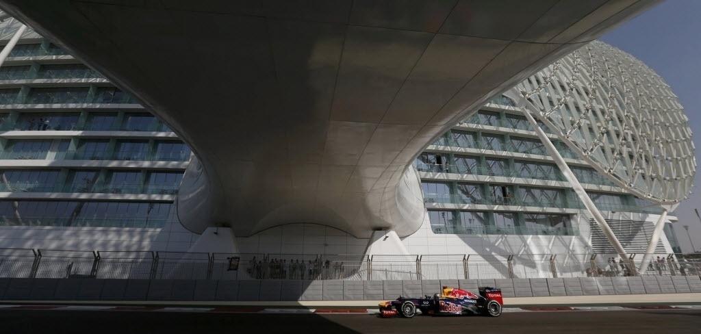 Sebastian Vettel participa da terceira sessão de treinos livres para o GP dos Emirados Árabes (03/11/2012)