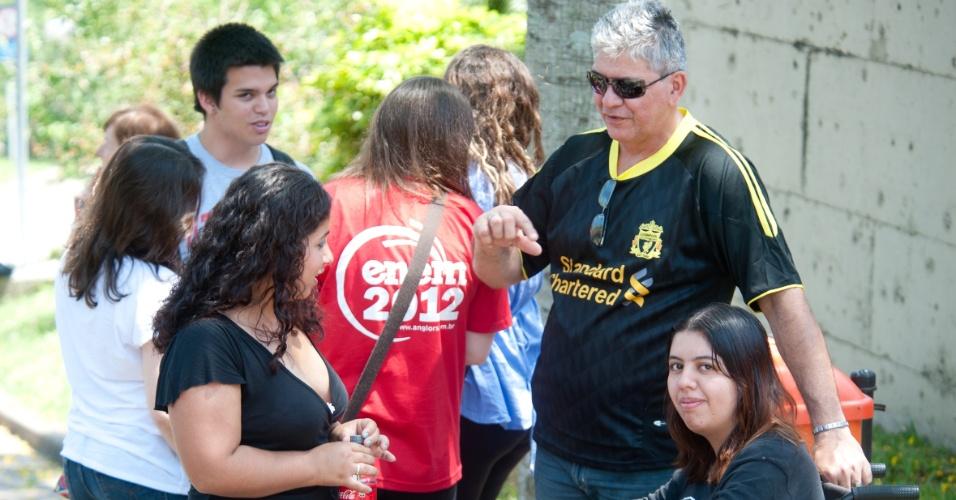 4.nov.2012 - Dienifes Lopes, de 20 anos, ainda não concluiu o ensino médio e faz o Enem como teste. No futuro, quer estudar no curso de Direito