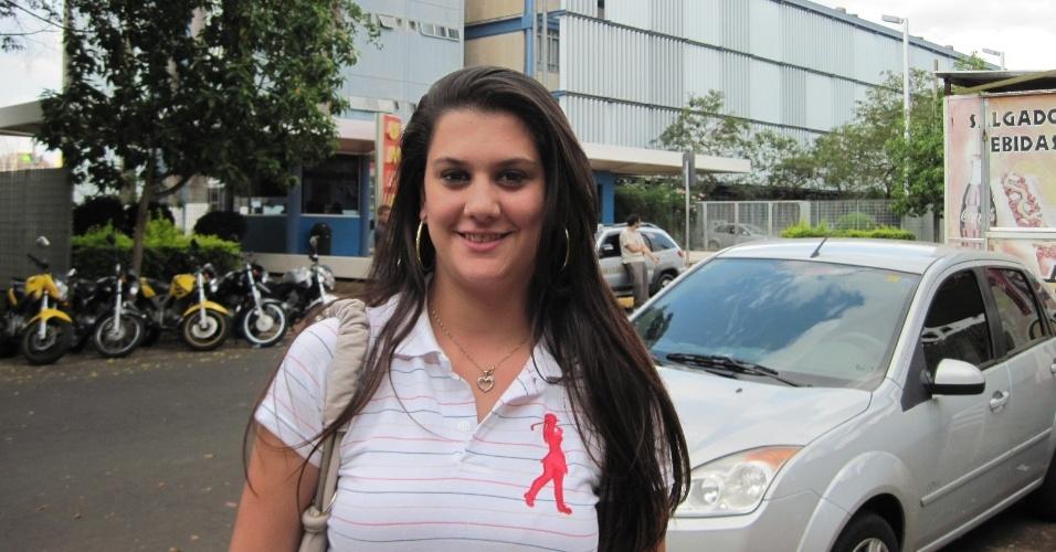 4.nov.2012 - Isla Sanches, de 17 anos, disse, ao sair da Unip de Ribeirão Preto, que foi mal nas provas do Enem 2012 porque estuda em escola pública