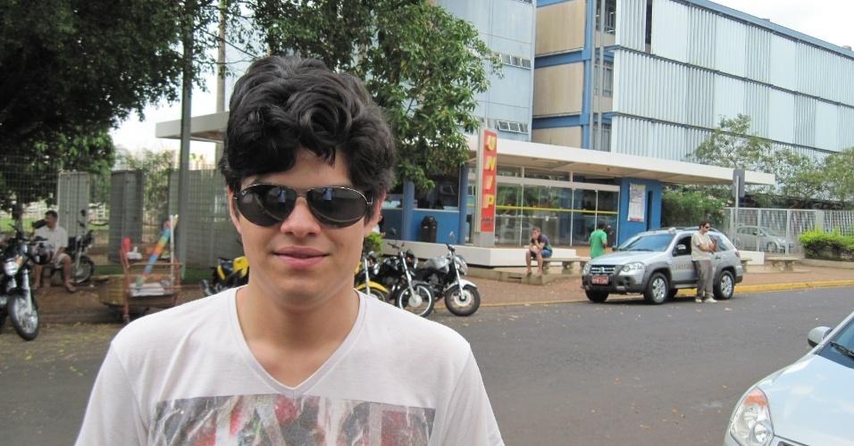 4.nov.2012 - Jean Barbosa Filho, 20, encontrou dificuldade apenas na prova de matemática, que realizou na Unip de Ribeirão Preto