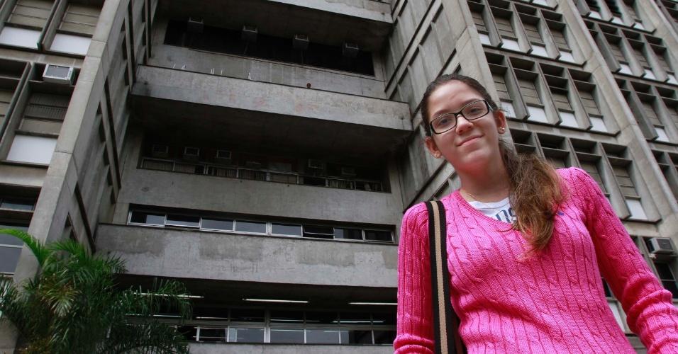 4.nov.2012 - Manuela Brazão, que fez a prova do Enem 2012 no Rio de Janeiro, diz ter feito uma boa redação neste domingo