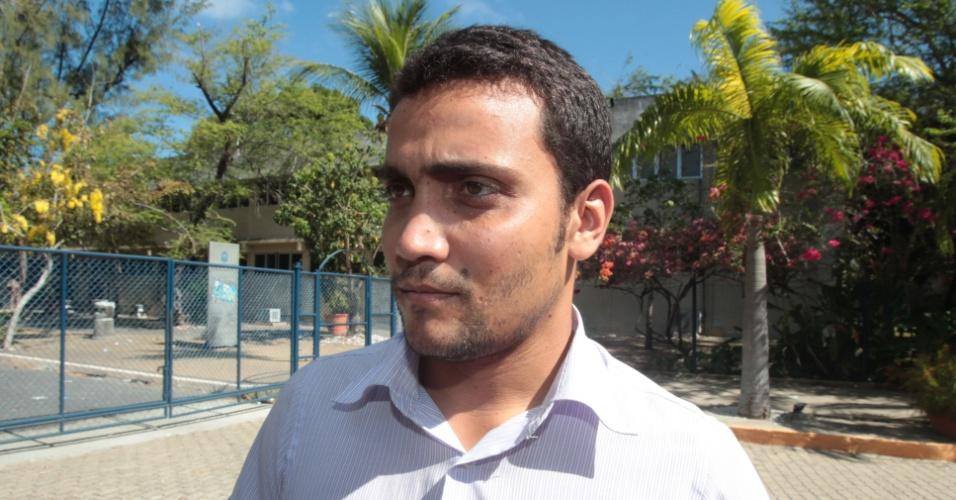 4.nov.2012 - Paulo César Almeida, 22, foi o primeiro candidato a encerrar a prova do Enem no Campus da Universidade de Fortaleza (Unifor)
