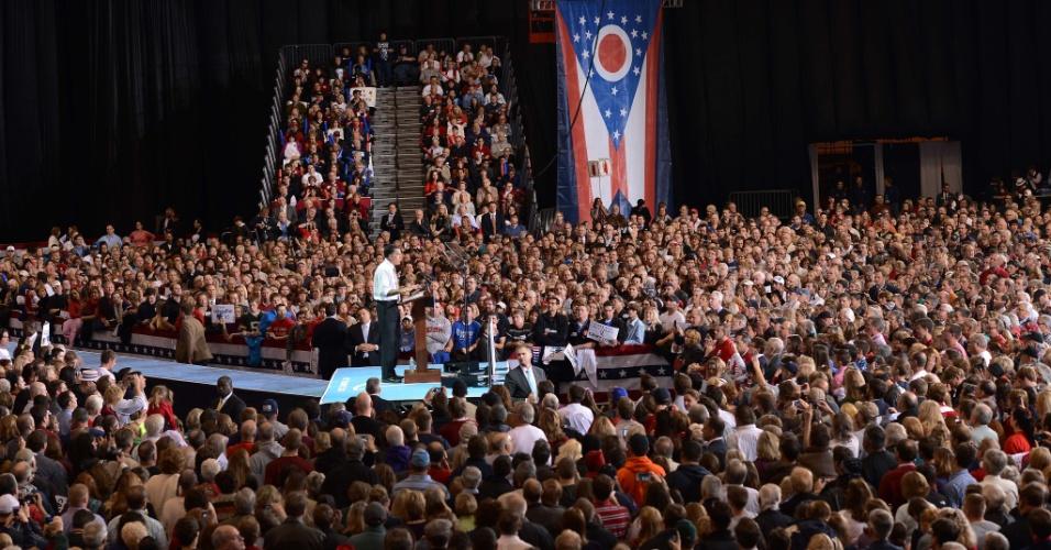 4.nov.2012 ? Mitt Romney faz comício em Cleveland, Ohio, dois dias antes do resultado das eleições