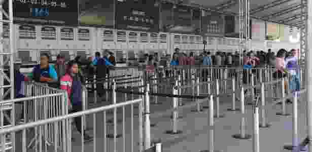 Pouco movimento nas bilheterias do Anhembi no último domingo (4), último dia do Salão do Automóvel 2012 - UOL