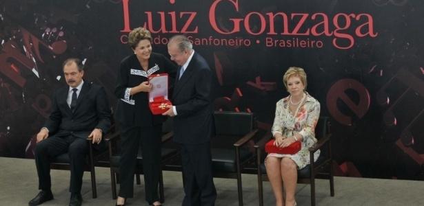 A presidente Dilma Rousseff homenageia o cantor e compositor Luiz Gonzaga e entrega Ordem do Mérito Cultural a 41 premiados (5/11/12) - Antonio Cruz/Agência Brasil