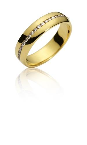 Aliança Florença (de ouro amarelo e brilhantes) da joalheria Amsterdam Sauer (www.amsterdamsauer.com)