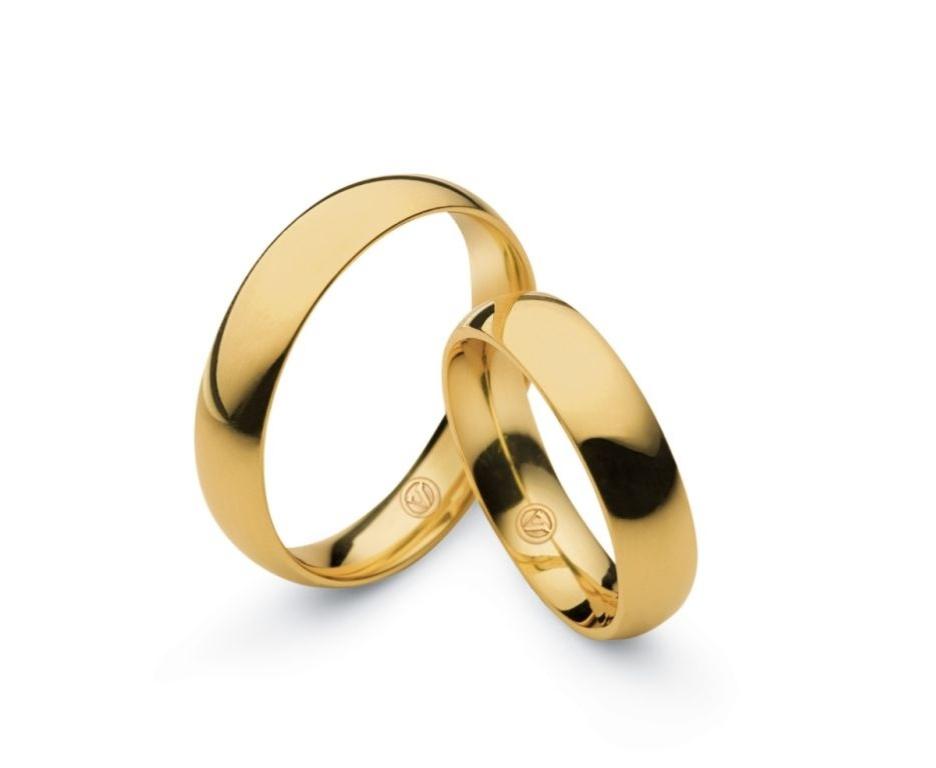 Par de alianças Bride (de ouro amarelo) da joalheria Vivara (www.vivara.com.br)