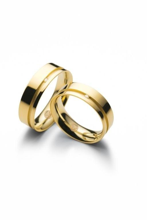Par de alianças Valentines (de ouro amarelo e com brilhante) da joalheria Vivara (www.vivara.com.br)